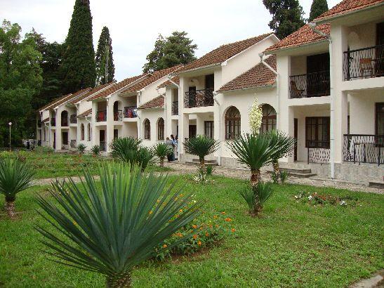 Привлекательность отдыха в гостиницах и отелях Абхазии в соотношении цена - качества. Отель в Сухуми