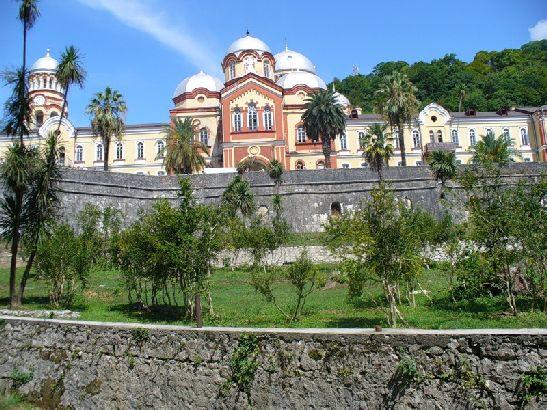 Так выглядит Новоафонский монастырь в Абхазии