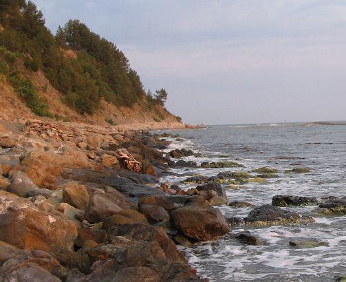 Дикий пляж на курорте Туапсе