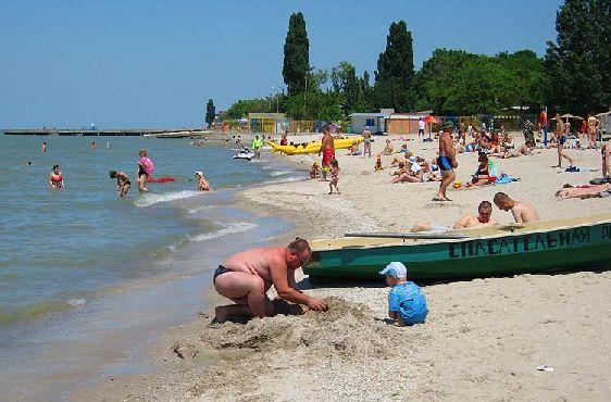 В июле на Азове стоит наиболее знойная погода, но благодаря легким морским бризам жара легко переносится