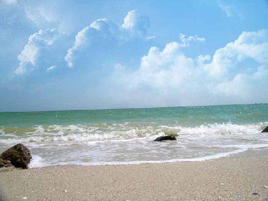 Многие едут к Азовскому морю уже на майские праздники чтобы отдохнуть в тишине. Погода на Азове в мае
