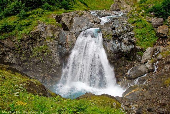 Водопад Клычский - довольно крупный