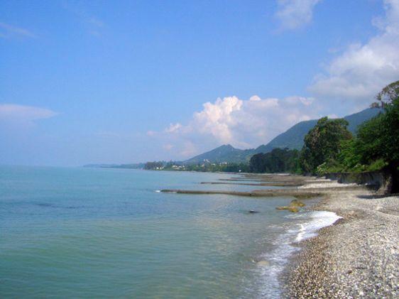 Пляж рядом с пансионатом ''Мандарин''