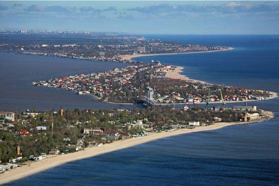 Вид на пляжную полосу Затоки