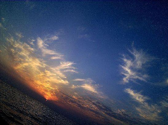Особенно красивы в Адлере вечерние закаты у моря