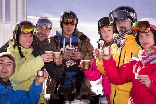 Во второй половине марта на Красной Поляне особенно интересно, благодаря сноуборд парку