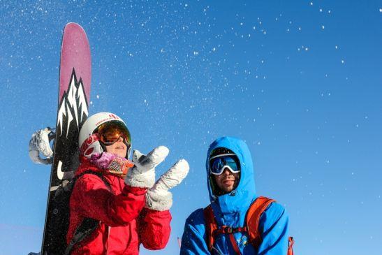 Март в Сочи - удивительное время! Можно и на лыжах покататься и по цветущему саду пройтись