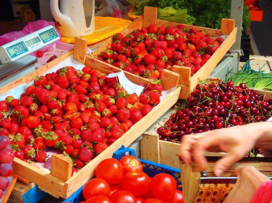 В июне в Анапе начинается сезон ягод и фруктов