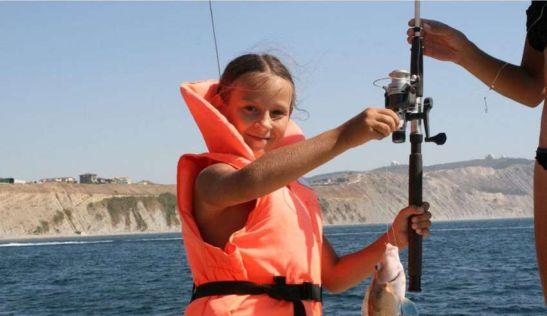 Морская рыбалка в Анапе понравится всей семье
